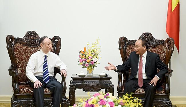 Chủ tịch Tập đoàn JA Solar (Trung Quốc) tiếp kiến Thủ tướng Nguyễn Xuân Phúc.