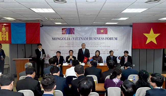 Thủ tướng Chính phủ Nguyễn Xuân Phúc dự Diễn đàn Doanh nghiệp Việt Nam – Mông Cổ.