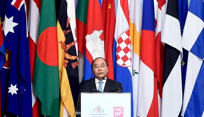 Thủ tướng Nguyễn Xuân Phúc phát biểu tại Diễn đàn Doanh nghiệp Á - Âu (AEBF) lần thứ 15.