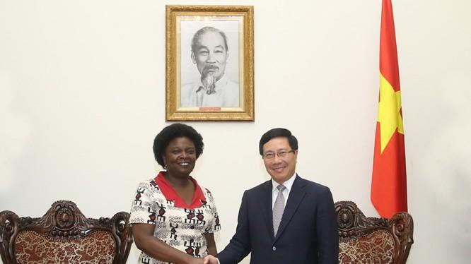 Phó Thủ tướng Phạm Bình Minh tiếp Phó Chủ tịch WB. Ảnh: VGP/Hải Minh