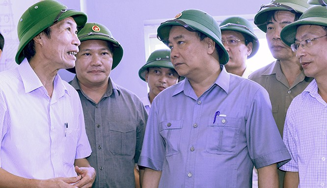 Thủ tướng Nguyễn Xuân Phúc đã kiểm tra công tác khắc phục hậu quả bão số 1 tại Nam Định.