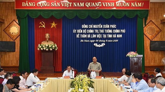 Thủ tướng Nguyễn Xuân Phúc thăm và làm việc tại Hà Nam.