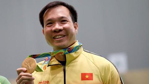 Với thành tích 202,5 điểm trong 20 lượt bắn, xạ thủ Hoàng Xuân Vinh ngày 6/8 đã giành huy chương Vàng tại nội dung 10 m súng ngắn hơi nam tại Đại hội thể thao thế giới (Olympic) 2016.