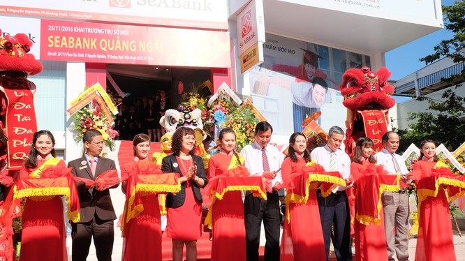 Kỷ niệm 5 năm thành lập, SeABank chi nhánh Quảng Ngãi khai trương trụ sở mới.