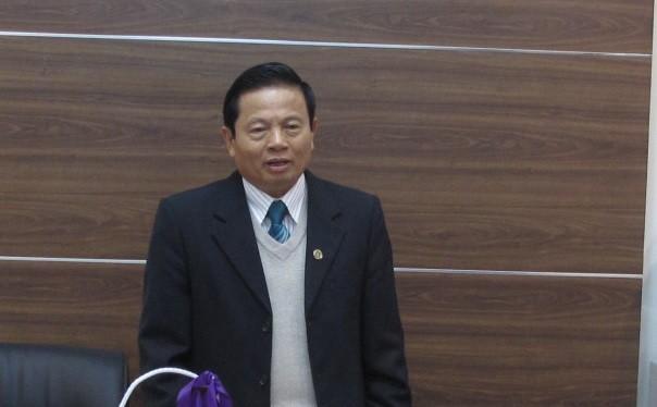 Chủ tịch Lê Doãn Hợp làm việc và trao đổi với tập thể lãnh đạo, cán bộ, phóng viên, biên tập viên VietTimes tại phòng họp, trụ sở mới. (Ảnh: VietTimes)
