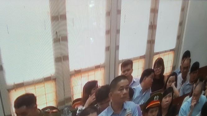Nguyên Kế toán trưởng PVN Ninh Văn Quỳnh đã khai nhận chuyện nhận tiền từ Nguyễn Xuân Sơn. (Ảnh: T.Th)
