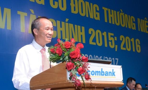 Ông Dương Công Minh phát biểu nhậm chức Chủ tịch HĐQT Sacombank tại ĐHĐCĐ ngày 30/6/2017. (Ảnh: Vietstock)