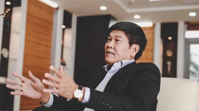 Chủ tịch Trần Đình Long là người quyết định mức thưởng, hình thức thưởng và phương án thưởng cụ thể. (Ảnh: Internet)