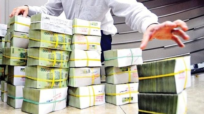 Tiếp tục bơm ròng 27.400 tỷ đồng, lãi suất liên ngân hàng tăng mạnh. (Ảnh: Internet)