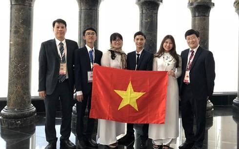 Đoàn thí sinh Việt Nam tại Olympic Sinh học quốc tế lần thứ 29. (Ảnh: Dân trí)