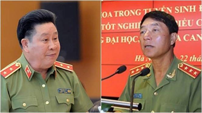Không chỉ Thứ trưởng đương nhiệm Bùi Văn Thành (trái) bị đề nghị giáng cấp bậc hàm; Bộ Chính trị cũng đề nghị giáng cấp bậc hàm của nguyên Thứ trưởng Trần Việt Tân.