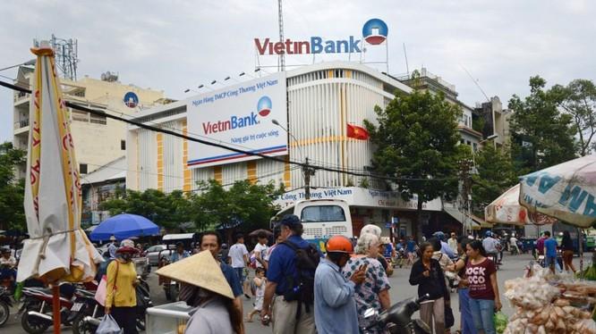 Một Phòng Giao dịch của Vietinbank ở chợ Bình Tây, Tp. HCM. (Ảnh: Bloomberg)