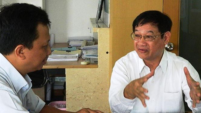 Cựu tử tù Liên Khui Thìn (phải) và tác giả