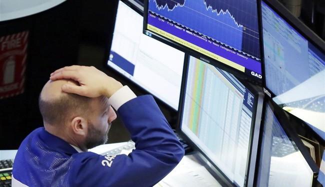 """Dow Jones giảm hơn 600 điểm, """"thổi bay"""" mọi thành quả trong năm 2018."""