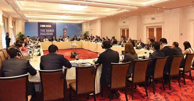 Các nhà đầu tư quốc tế cho rằng, doanh nghiệp trên sàn niêm yết Việt Nam cần cải thiện sự minh bạch và chất lượng quản trị, còn nhà quản lý cần mở rộng không gian đầu tư cho khối ngoại.