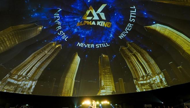 Cái tên đứng sau Alpha King vẫn là bí ẩn với truyền thông và thị trường...
