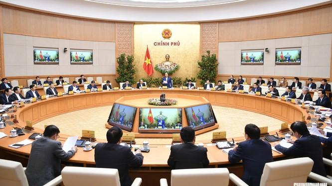 Thủ tướng Nguyễn Xuân Phúc chủ trì phiên họp Chính phủ tháng 1/2019 diễn ra ngay trước kỳ nghỉ Tết Nguyên đán. - Ảnh: VGP