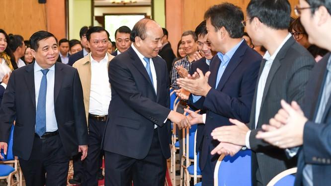 Thủ tướng đến làm việc với Bộ Kế hoạch và Đầu tư (KH&ĐT) sáng 19/2. (Ảnh: VGP)