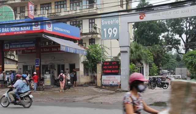 Cửa hàng xăng 199 Minh Khai, Hai Bà Trưng bán thiếu hàng cho khách với tổng trị giá thu lợi bất hợp pháp 170.000 đồng.