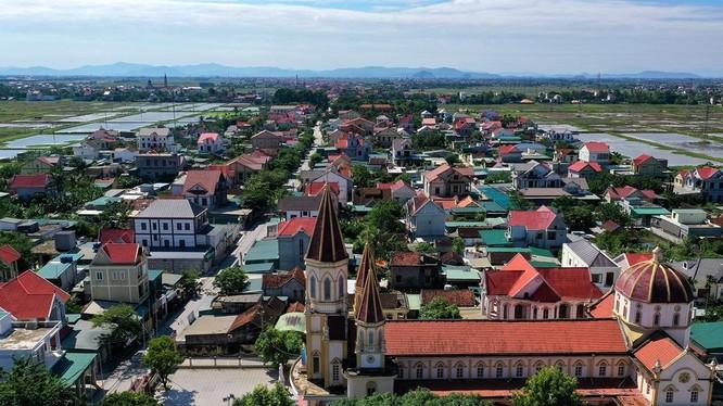 Khung cảnh trù phú của xã Đô Thành, huyện Yên Thành, tỉnh Nghệ An, nơi có cả nghìn người dân đi xuất khẩu lao động. (Ảnh: Zing)