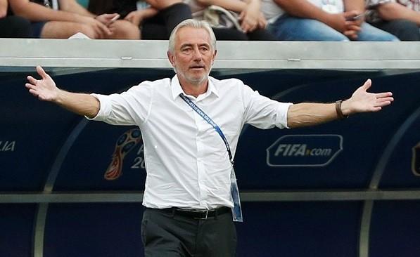 Tương lai của HLV Bert Van Marwijk đang bị ảnh hưởng sau trận thua trước Thái Lai. Và tối nay ông cần một thành tích tốt trước Việt Nam.