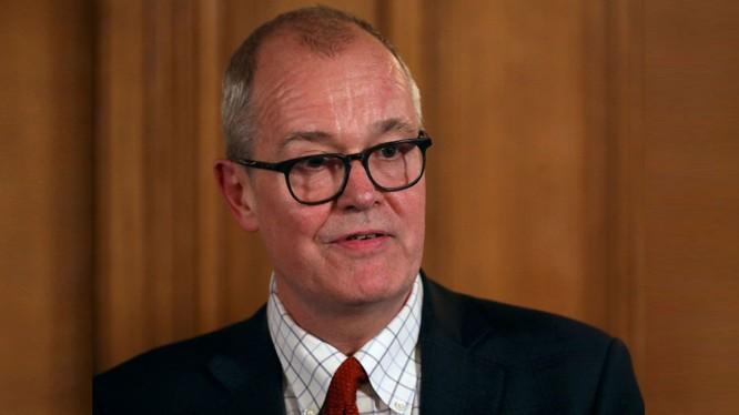 Trưởng Cố vấn khoa học của Chính phủ Anh, Sir Patrick Vallance (Ảnh: Mirror.uk)