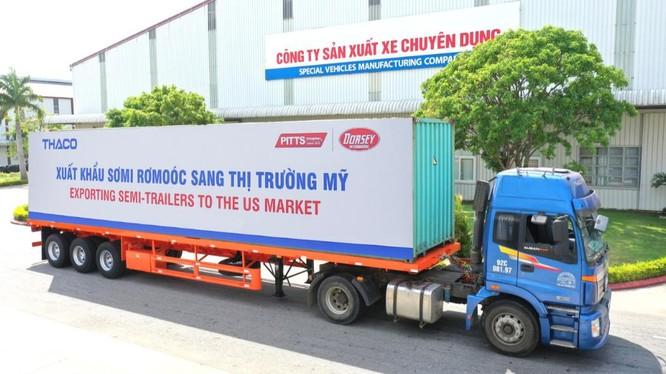Xe chở sản phẩm SMRM xuất khẩu