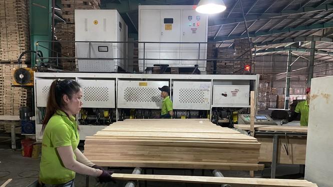 Bộ NN&PTNT nhận định, xuất khẩu gỗ năm 2020 có thể cán đích 13 tỷ USD