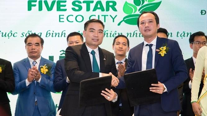 Ông Lê Thống Nhất (phải) - Chủ tịch tập đoàn Danh Khôi (Nguồn: Internet)
