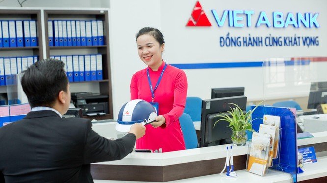 Ông Phương Hữu Việt rời ghế Chủ tịch HĐQT VAB sau 10 năm gắn bó (Ảnh: VAB)