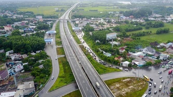 Công ty Nhạc Sơn, Định An của ông Cao Đăng Hoạt từng thi công nhiều dự án cầu, đường, thủy lợi (Ảnh: Internet)