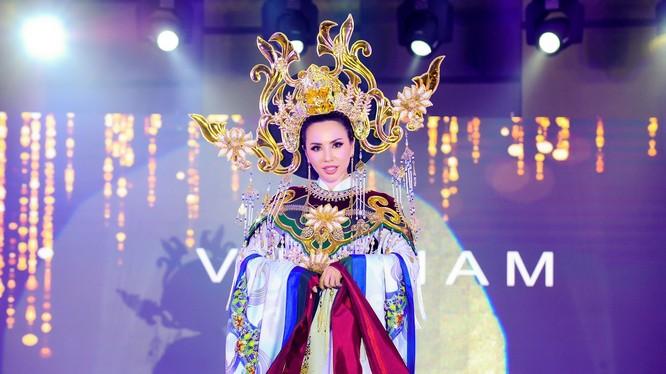 Châu Ngọc Bích đại diện Việt Nam đoạt giải Hoa hậu mặc trang phục dân tộc đẹp nhất