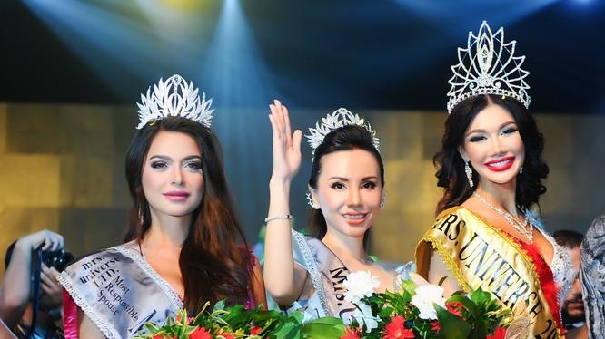 Châu Ngọc Bích - người đẹp Việt Nam đăng quang Hoa hậu Đại sứ quý bà thế giới 2018