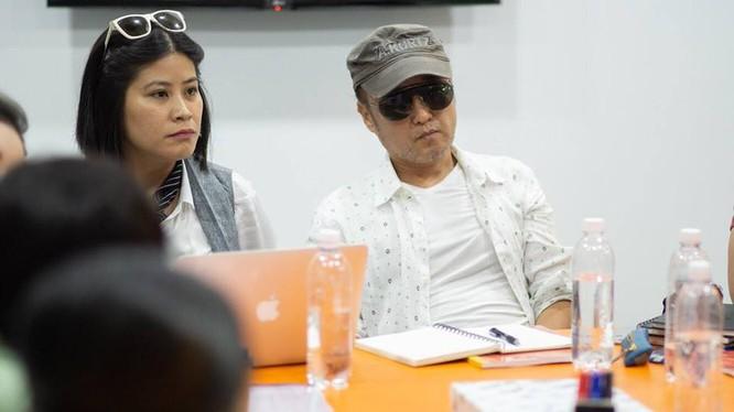 Nhà sản xuất Nguyễn Hoàng Hạnh Nhân và đạo diễn Park Hee Jun trong quá trình hợp tác làm phim
