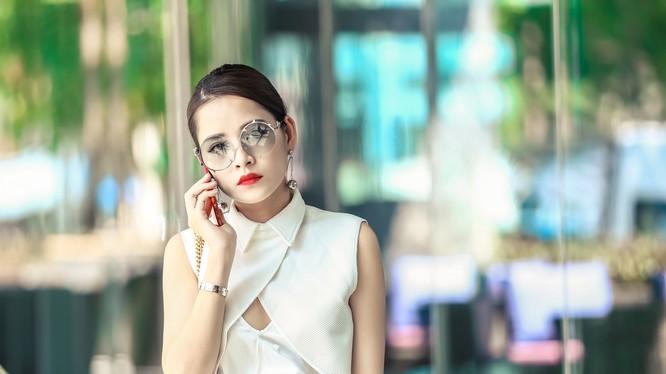Chi Pu biến đổi với nhiều phong cách thời trang rực rỡ