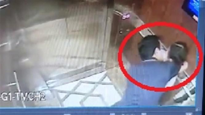 Gã đàn ông sàm sỡ bé gái trong thang máy