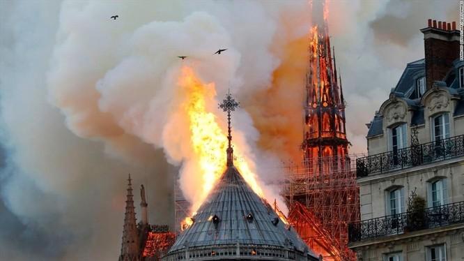 Ảnh chụp vụ cháy: CNN