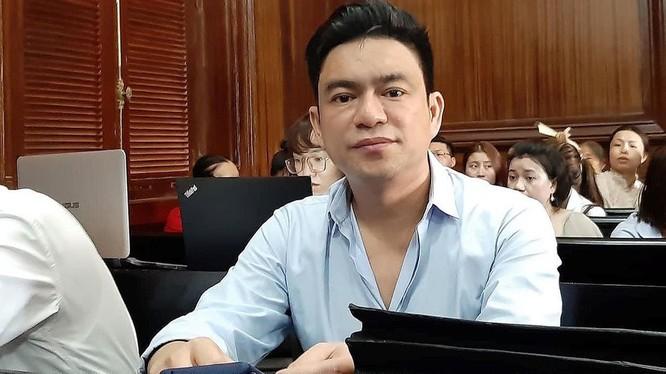 Bác sĩ Chiêm Quốc Thái tại phiên tòa sơ thẩm hôm 26/6