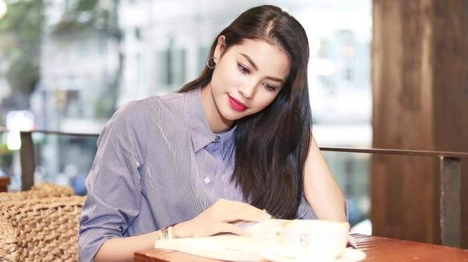 Hoa hậu Phạm Hương thể hiện nhiều chân dung khác nhau mỗi khi xuất hiện trước công chúng