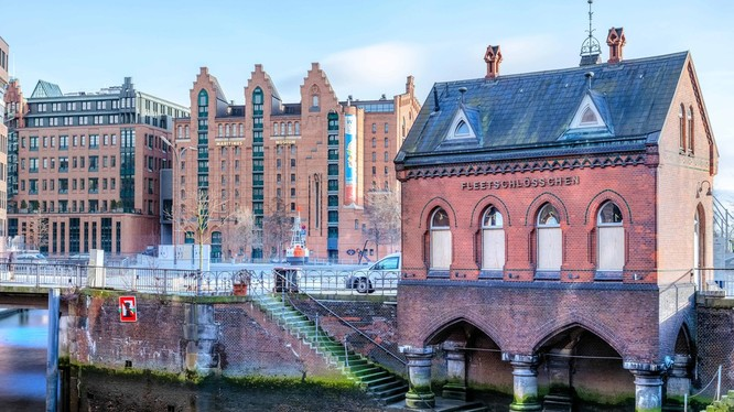 Hamburg là một thành phố lớn của Đức có rất nhiều thứ làm say lòng du khách.
