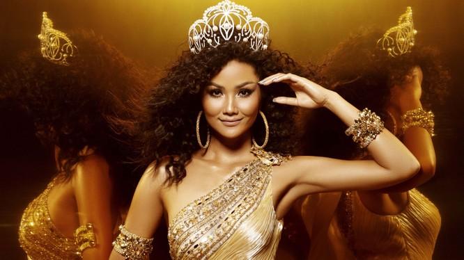 Chỉ còn vài ngày nữa, H'Hen Niê sẽ hết nhiệm kỳ 2 năm của đương kim Hoa hậu Hoàn vũ Việt Nam