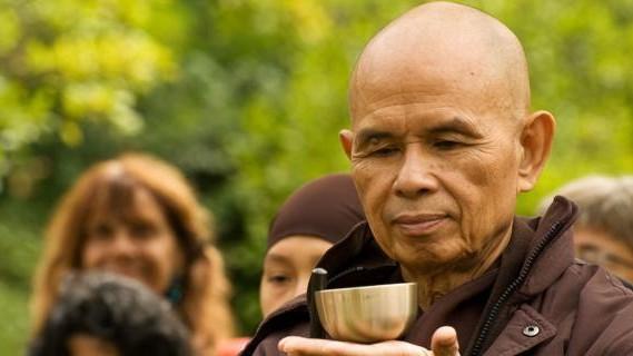 Thiền sư Thích Nhất Hạnh cần mẫn gieo yêu thương (Ảnh: PNC cung cấp).