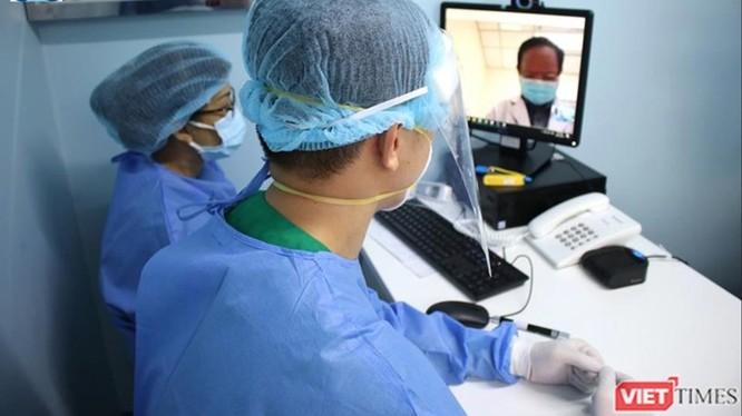 Hội chẩn trực tuyến giữa các bác sĩ chuyên khoa tại BV Đại học Y Dược TP.HCM