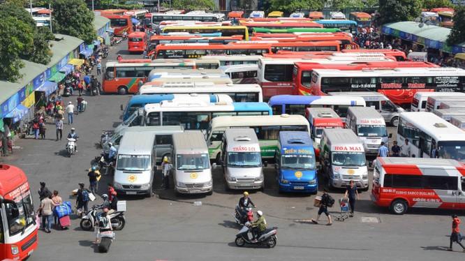 Theo chỉ đạo khẩn, tiếp tục tạm ngưng các dịch vụ vận tải công cộng trên địa bàn TP.HCM (Ảnh: Đỗ Loan)