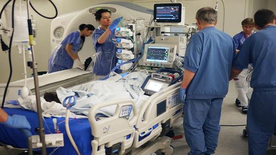 Bệnh nhân 91 sẽ được chụp CT Scan lần 2 kèm can thiệp ECMO (Ảnh: Tổng hội Y học)