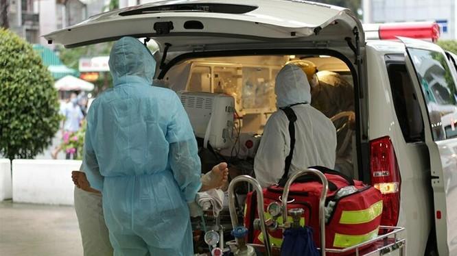 Bệnh nhân 91 được chuyển viện sang Chợ Rẫy từ tối 22/5 (Ảnh: X.A)