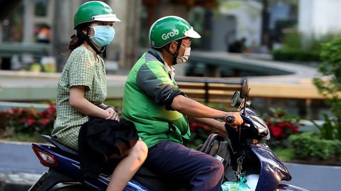 Thông báo khẩn tìm kiếm tài xế Grab bike đã chở BN450 (Ảnh minh họa)