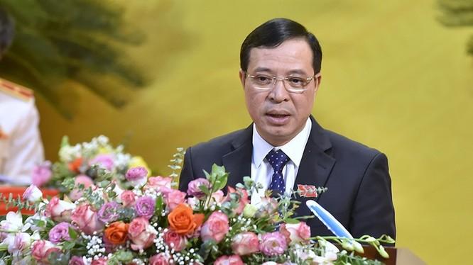 Ông Lại Thế Nguyên - Trưởng Ban Tổ chức Tỉnh ủy Thanh Hóa báo cáo Đề án nhân sự BCH Đảng bộ tỉnh khóa XIX, nhiệm kỳ 2020-2025 (Ảnh: Đ.Trung)