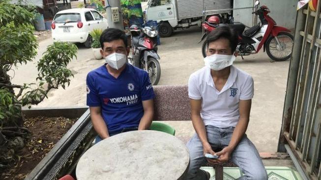 Bị can Phan Phi Hùng (áo xanh) và Phạm Thanh Hập. Ảnh: CAHS