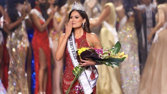 Tân Hoa hậu Hoàn vũ Thế giới 2021 - Đại diện Mexico Andrea Meza đăng quang giữa đại dịch - Ảnh: GETTY IMAGES